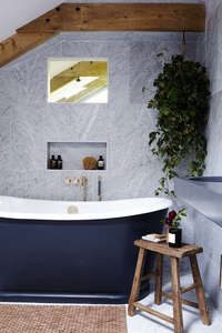 marble_blue_bathroom