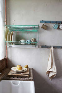 rustic-farmhouse-kitchen-sink